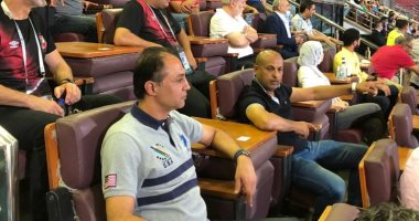 أيوب و طارق مصطفي يحضران مباراة الأهلي و الإنتاج الحربي