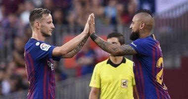 فيدال يتنازل عن مستحقاته فى برشلونة لارتداء قميص إنتر ميلان
