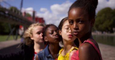 Netflix تعتذر عن أفيش Cuties بعد اتهامها بإضفاء طابع جنسى على فتيات صغيرات