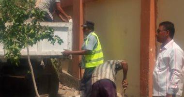 تكثيف أعمال النظافة وتجميل الميادين خلال حملة مكبرة بشوارع محافظة أسيوط
