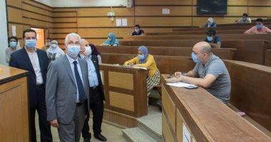 نائب رئيس جامعة طنطا يشيد بإجراءات امتحانات الدراسات العليا بكليتى الزراعة والحقوق