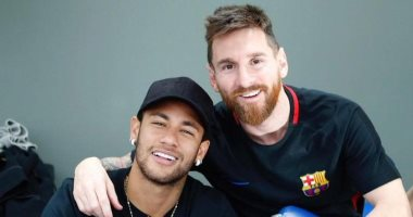 تقارير: ميسي يستمر مع برشلونة حتي يونيو 2023 وإغرائه بالبرازيلي نيمار
