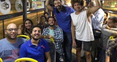 """أحمد الفيشاوى ودينا الشربينى فى أتوبيس بكواليس """"30 مارس"""""""