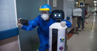 روبوت يخفف من شعور مرضى كوفيد -19 المكسيكيين بالوحدة