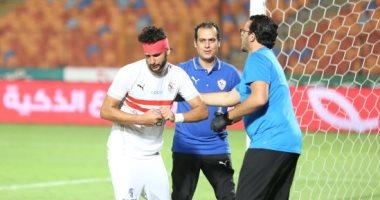 """فيديو وصور.. محمود علاء يستكمل مباراة الزمالك وإنبى بـ""""ضمادة رأس"""""""