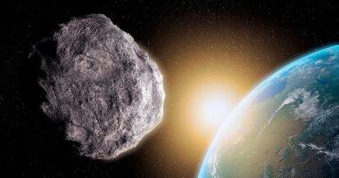 البحوث الفلكية تكشف حقيقة اصطدام كويكب بالأرض