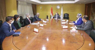 وزير النقل ورئيس اقتصادية قناة السويس يبحثان التعاون مع موانئ دبي العالمية
