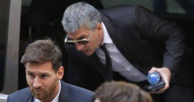 ميسي يلتقى والده لاتخاذ قرار حاسم فى مستقبله مع برشلونة
