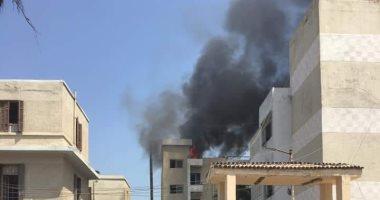 السيطرة على حريق بمخلفات على سطح مستشفى دسوق العام بكفر الشيخ دون إصابات ..صور