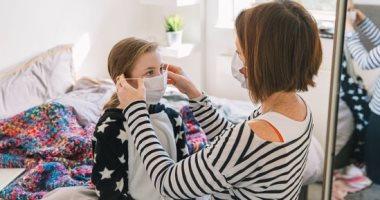 دروع الوجه والأقنعة ذات الصمامات غير فعالة أمام انتشار فيروس COVID-19
