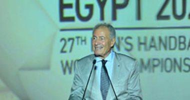 """رئيس اتحاد اليد عن طلب مبارك تفويت مباراة فرنسا بمونديال 2001: """"دعابة"""""""