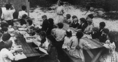 مدارس الهواء الطلق بأمريكا وألمانيا.. منعاً لانتشار الأوبئة فى القرن الـ20