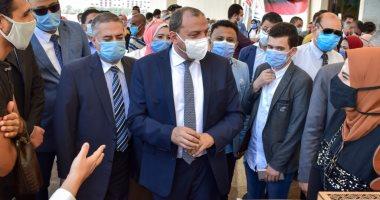 رئيس جامعة بنى سويف يحتفى بمشروعات تخرج أول دفعة لكلية علوم ذوى الهمم