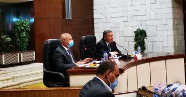 وزيرا قطاع الأعمال والنقل يبحثان مع المجالس التصديرية سبل تعزيز التجارة