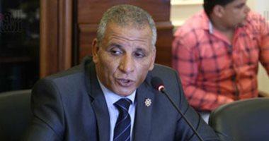 نائب يطالب بتغليظ عقوبة إهدار المياه والوصلات الخلسة
