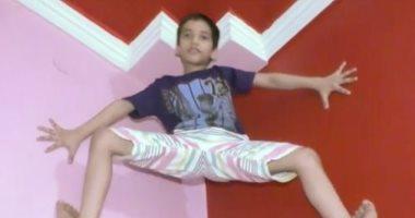 سبايدر مان.. صبى هندى يمتلك مهارات فائقة فى تسلق الجدران.. صور