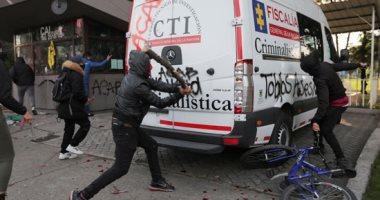 استمرار الاحتجاجات على عنف الشرطة في كولومبيا