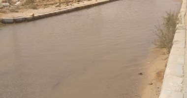 أهالى منطقة حدائق أكتوبر يشكون من كسر ماسورة مياه وغرق الشوارع