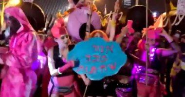 """بائعات الهوى فى إسرائيل يشاركن بمظاهرة ضد نتنياهو تحت شعار """"لا للفساد"""" .. فيديو"""