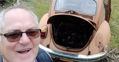 حكاية أسترالى عثر بالصدفة على أول سيارة اشتراها بعد 50 عاما من البحث.. صور