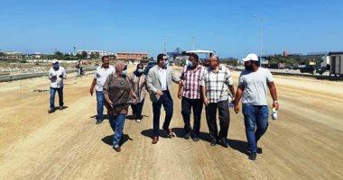 نائب محافظ بورسعيد يتابع أعمال توسعة محيط منفذ النصر الجمركى.. صور