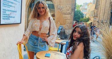 كنزى عمرو دياب فى صور جديدة مع أختها جانا