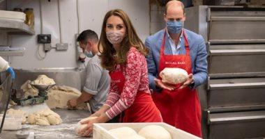 الكعك الملكي.. دوق كامبريدج وزوجته ميدلتون يطهون الكعك ويقدموه للبربطانيين.. ألبوم صور