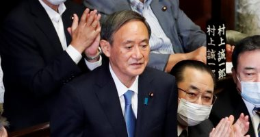 رئيس وزراء اليابان يتعهد بالاستفادة من المحيطات لتحقيق عالم خال من الكربون