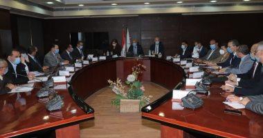 وزيرا النقل والتخطيط يبحثان توطين صناعة القطارات بمنطقة شرق بورسعيد