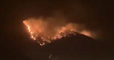 اندلاع حريق ضخم بجبل عمد فى مكة المكرمة.. فيديو
