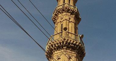 المئذنة المائلة بالمسجد العتيق فى المنيا عمرها 1000 عام.. صور