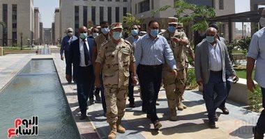رئيس الوزراء يتفقد الحى الحكومى في العاصمة الادارية الجديدة.. صور