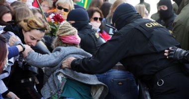 سلطات بيلاروسيا تستخدم الغاز المسيل للدموع ضد محتجين