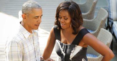 باراك أوباما وزوجته يروجان للتصويت بالانتخابات الرئاسية بالرسائل النصية
