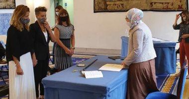 """التفاصيل الكاملة لتوثيق مسلمة """"محجبة"""" زواج فتاتين مثليتين فى مدريد..فيديو وصور"""