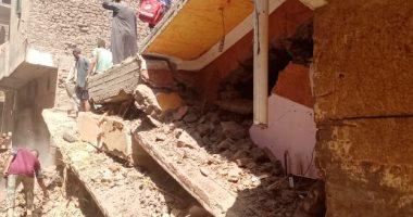 نيابة سوهاج تقرر دفن جثث الضحايا انهيار عقار بقرية ونينة وتشكيل لجنة للتحقيق