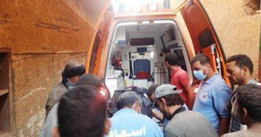 انهيار منزل بسوهاج ووفاة 7 من بينهم 4 أطفال وإصابة سيدتين.. لايف