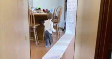 رسالة طولها 15 مترا من طفلة إلى جارتها لاستعادة ألعابها المفقودة.. صور