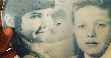 بوسى شلبى تستعيد ذكريات طفولتها بصورة مع زوجها الراحل محمود عبد العزيز