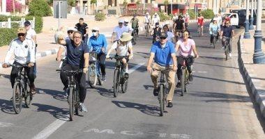 """خالد العنانى يوثق مغامرته بقيادة الدراجات الهوائية مع 30 سفيرا بشرم الشيخ """"صور"""""""