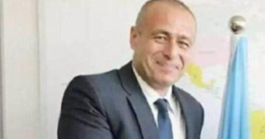 سفير مصر يبحث مع وزير الصحة الكينى تنفيذ مبادرة علاج مليون أفريقى من فيروس سى