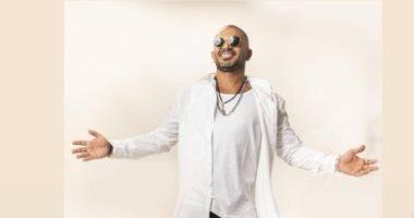 أحمد سعد عن عمليات التجميل: محتاجين عمليات تجميل داخلية