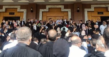 صور.. محامون وقضاة في الجزائر ينظمون احتجاجا للمطالبة باستقلال القضاء