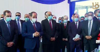 الرئيس السيسى يتفقد مجمع التكسير الهيدروجينى للبترول فى مسطرد
