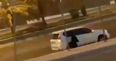 فيديو لفتاة سعودية تصلى فى الشارع يثير حيرة النشطاء.. ووالدها يوضح السبب