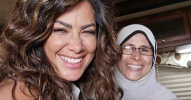 """صبا مبارك مع مديرة أعمالها:"""" اللى عنده ضحكة زى دية"""".. صور"""