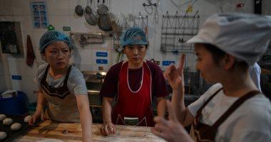 مخبز ألمانى يساعد الصم الصينيين على العمل بلغة الإشارة.. اعرف التفاصيل