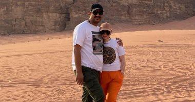 ديانا كرزون وزوجها فى صور جديدة من شهر العسل بصحراء الأردن