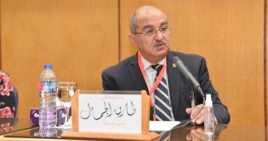 رئيس جامعة أسيوط: انخفاض أعداد المصابين بكورونا فى المستشفى الجامعى