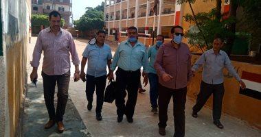استبعاد مدير مدرسة وإحالة المقصرين للشئون القانونية بإدارة غرب طنطا